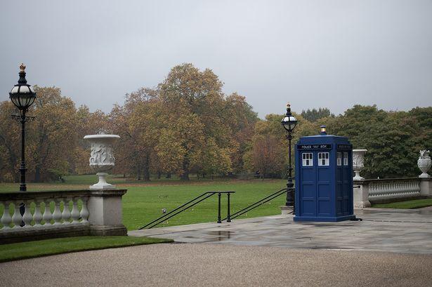 Dr-Who-at-Buckingham-Palace-2805605