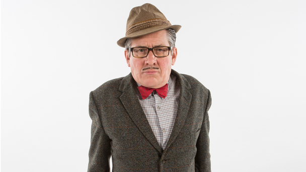 Conde Arthur Strong: bow ties are cool?
