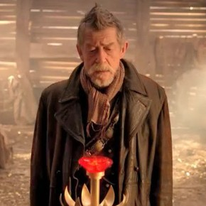 John Hurt, o War Doctor, recebe título de Sir!