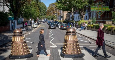 Peter Capaldi e Jenna Coleman na Abbey Road